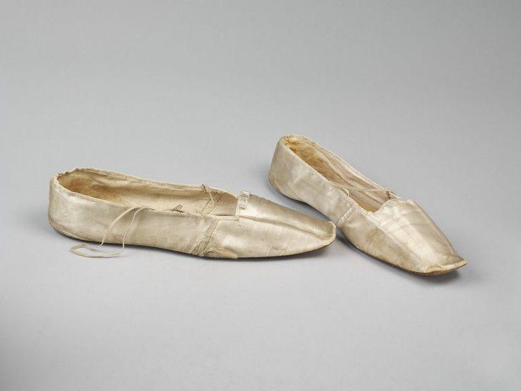 Nel 1800 si ha finalmente la divisione tra modelli maschili e femminili dc05a4fd891